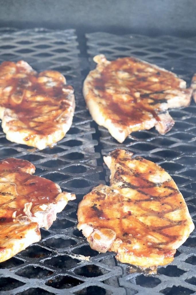 Grillling peach bbq pork chops