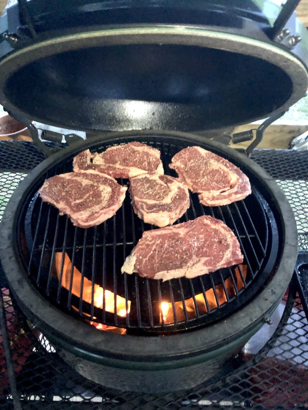 Cooking steaks on a Big Green Egg Grill