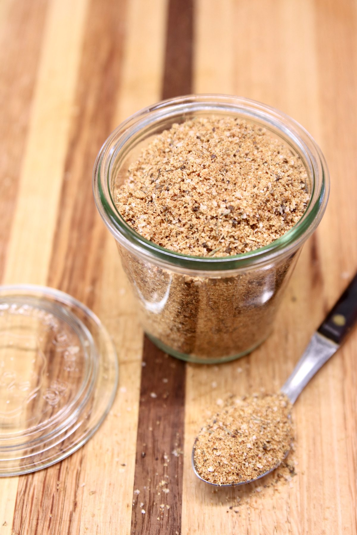 jar of spices for grilling steaks