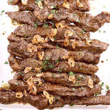 Steak tips with garlic chips
