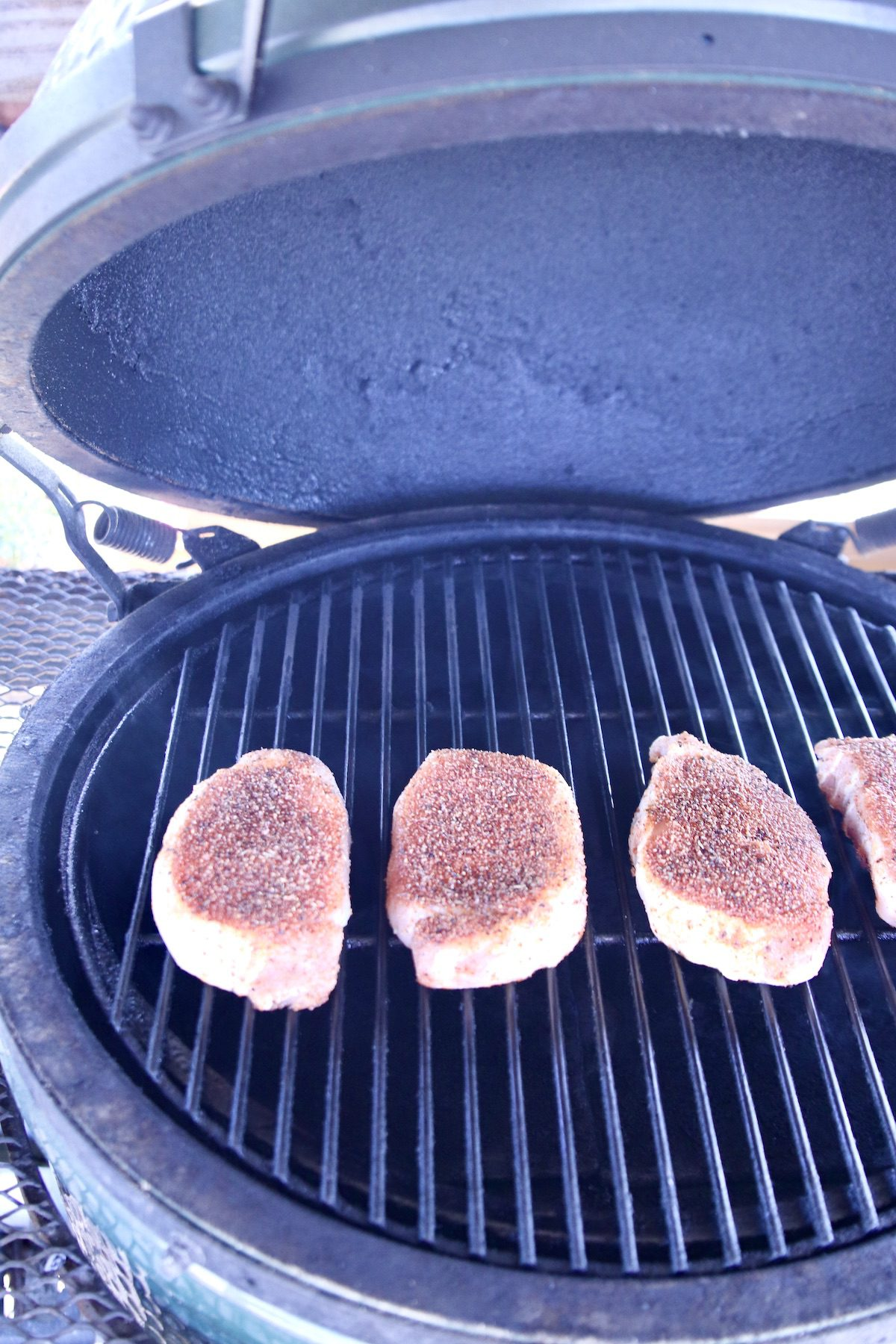 Grilling 4 boneless pork chops