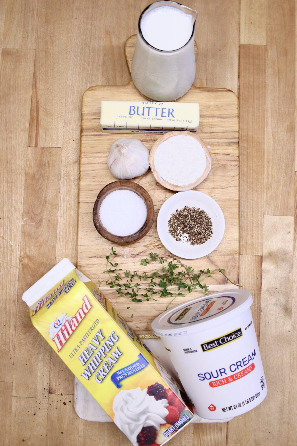 ingredients for sour cream sauce